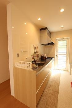 【LDK】収納もお手入れもしやすいキッチンになりました。.jpg