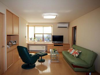 キッチンが開放的になったので、会話やTVを見ながら家事ができます。