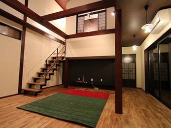 細かい部分まででデザインにこだわり古民家を活かしたモダンな空間になりました。
