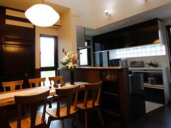 キッチンもとても使いやすく吹き抜けで明るくなりとても満足しています。