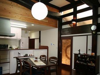 玄関はパッと目を引くデザインで、お客様の目を楽しませられるようになりました。
