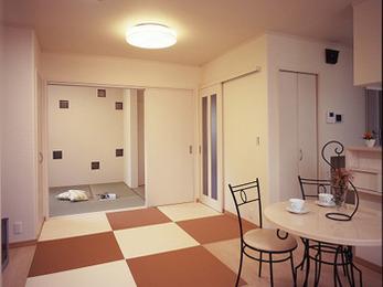 収納スペースも沢山あるので、子供と一緒に楽しく整理整頓もできます。