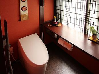 トイレが家の中心に配置され、家族みんな使いやすくなったと喜んでいます。