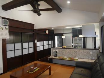 開放感のあるLDK。断熱施工をしっかり行い、天井が高くても暖かい冬の在り処に…。