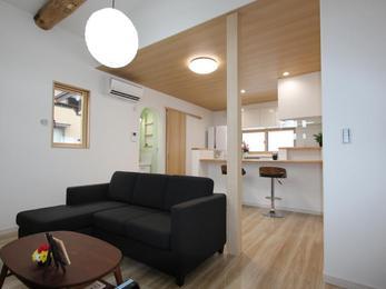 玄関別の一部共有二世帯住宅はほど良い距離感を第一に考えました。