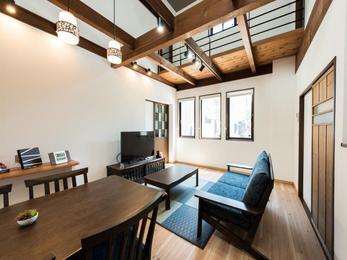 「町家」と「蔵」という二軒連なる地域の建築の宝を残し「日本遺産」で彩る新しいまちなみの提案