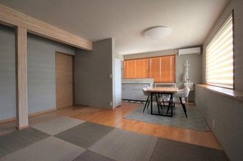 2階の寝室をLDKにすることで三世帯の生活動線もスムーズになりました。