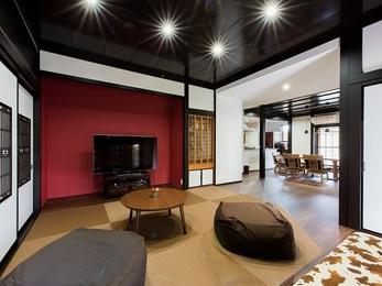 天井や建具を既存利用しながらもリフォーム前との空間に大きな変化が生まれました。