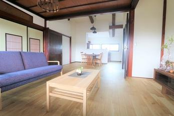 古民家の2階を利用して、程よい距離感の2世帯住宅にリフォームしました。