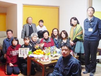 家族8人が自然とリフォームをした部屋に集まるようになりました。